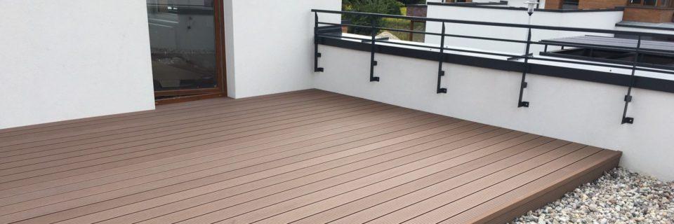 Połączenie piękna drewna i trwałości polimerów.