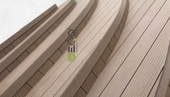 Schody z desek kompozytowych SEQO