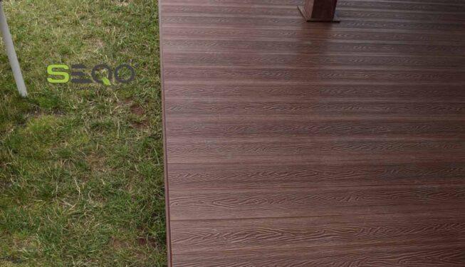 Klasyczny taras z kompozytów drewna